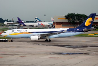 VT-JWK - Jet Airways Airbus A330-200