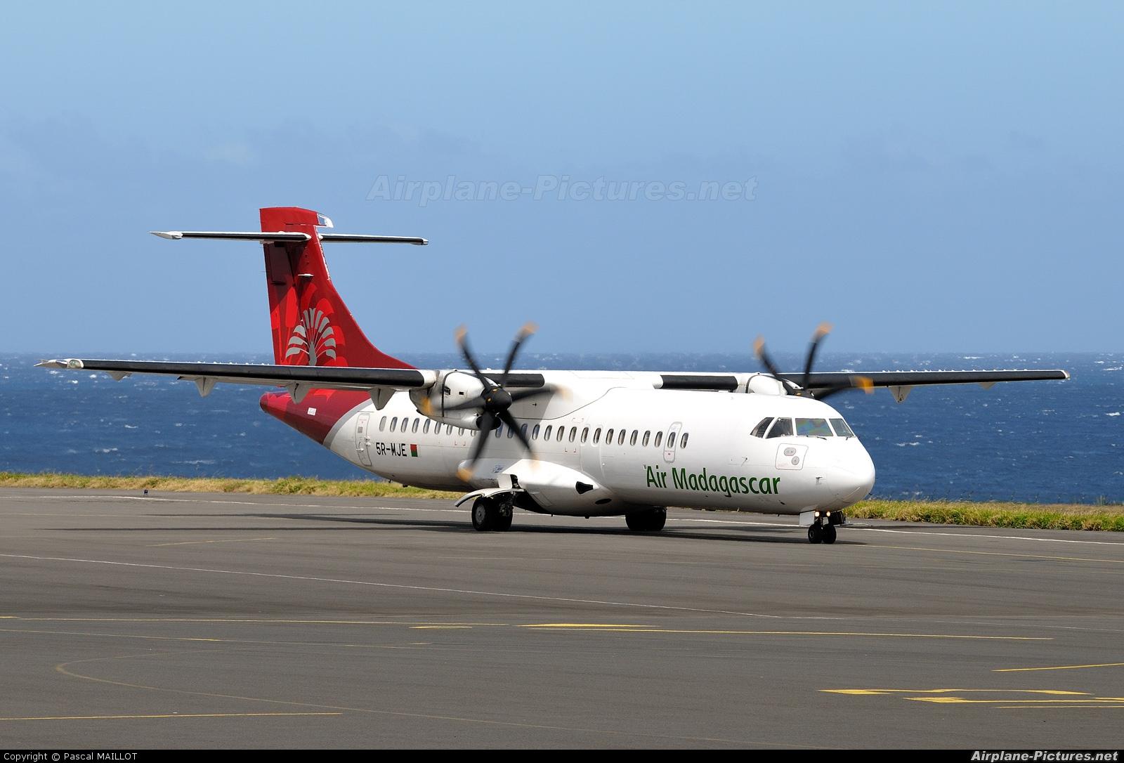 Air Madagascar 5R-MJE aircraft at Saint-Pierre - Pierrefonds