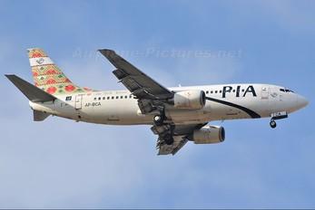 AP-BCA - PIA - Pakistan International Airlines Boeing 737-300
