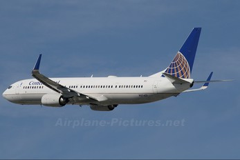 N27421 - Continental Airlines Boeing 737-900