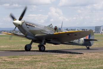 ZK-SPI - Private Supermarine Spitfire Mk.IX