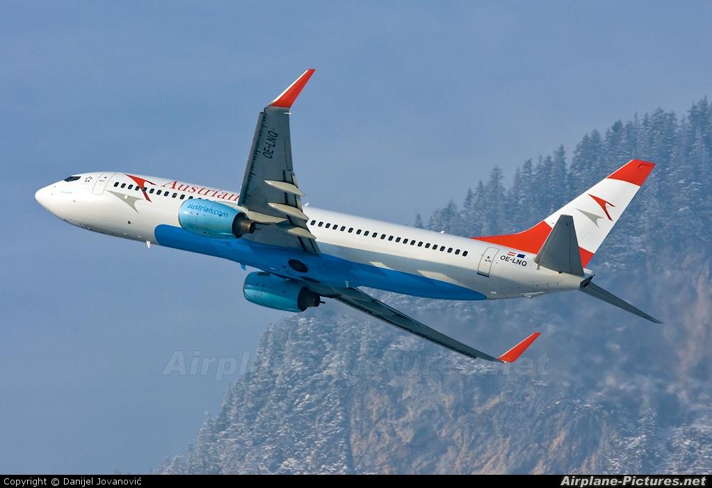 Austrian Airlines/Arrows/Tyrolean OE-LNQ aircraft at Innsbruck