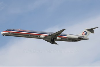 N554AA - American Airlines McDonnell Douglas MD-82