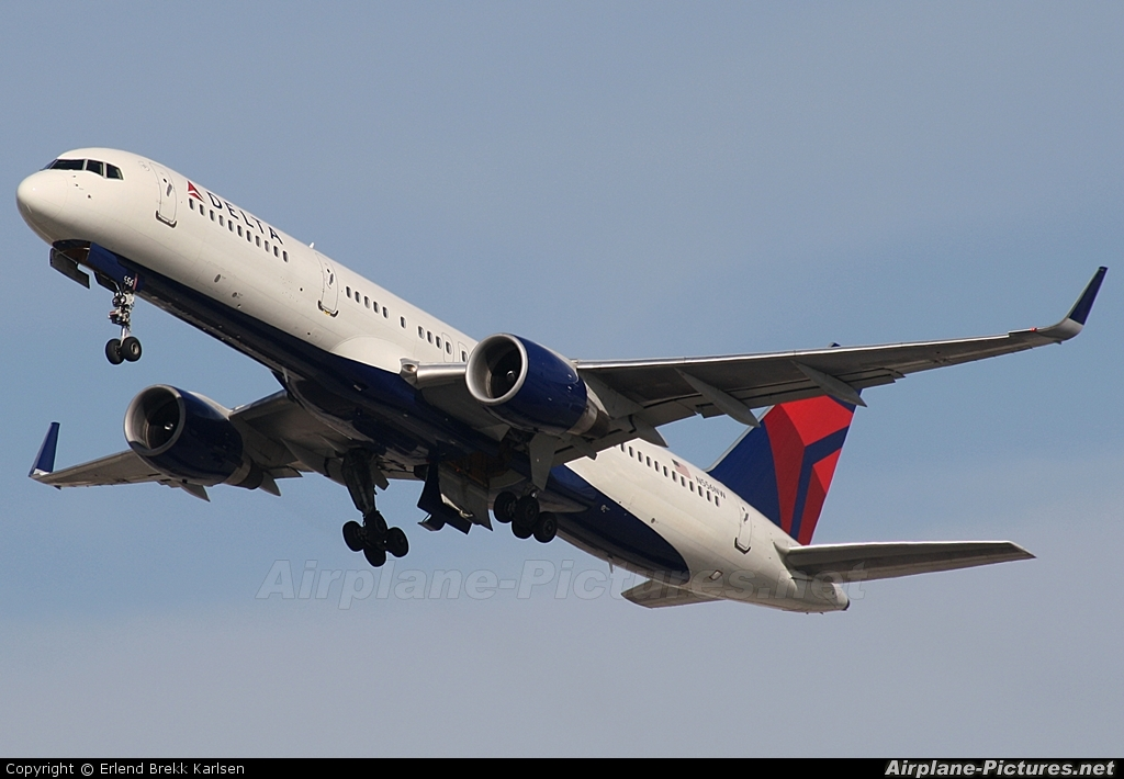 Delta Air Lines N556NW aircraft at Fort Lauderdale - Hollywood Intl