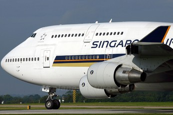 9V-SMJ - Singapore Airlines Boeing 747-400