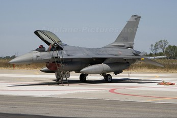 MM7240 - Italy - Air Force General Dynamics F-16A Fighting Falcon