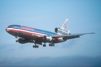 N143AA - American Airlines McDonnell Douglas DC-10