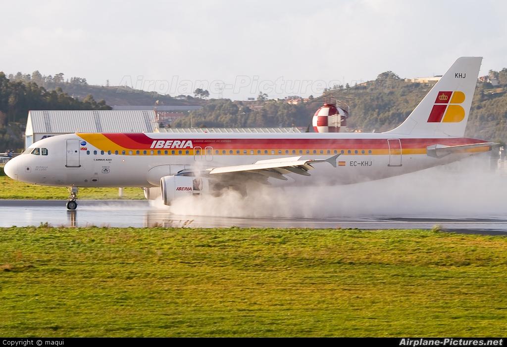 Iberia EC-KHJ aircraft at La Coruña