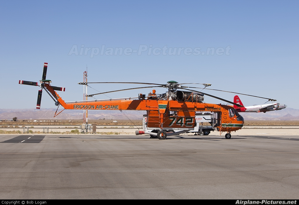 Erickson Air-Crane N6962R aircraft at Lancaster - General William J Fox