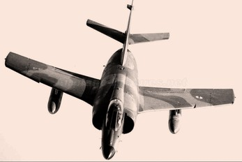 44 - France - Navy Dassault Etendard IV P