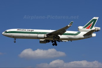 EI-UPU - Alitalia Cargo McDonnell Douglas MD-11F
