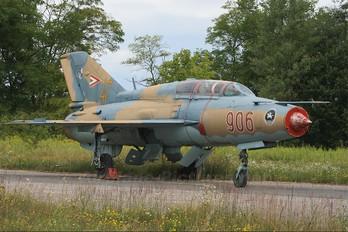 906 - Hungary - Air Force Mikoyan-Gurevich MiG-21UM