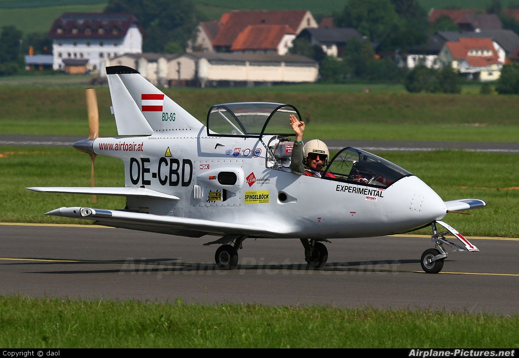 Private OE-CBD aircraft at Zeltweg