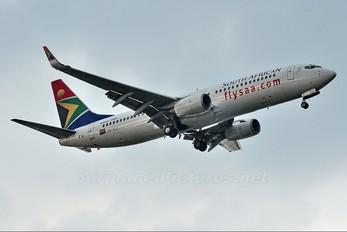 ZS-SJI - South African Airways Boeing 737-800