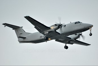 ZS-ODG - Rossair Beechcraft 1900C Airliner