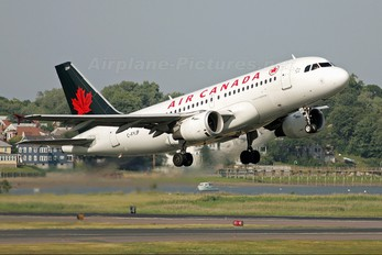 C-FYJP - Air Canada Airbus A319