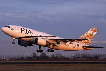 AP-BEU - PIA - Pakistan International Airlines Airbus A310