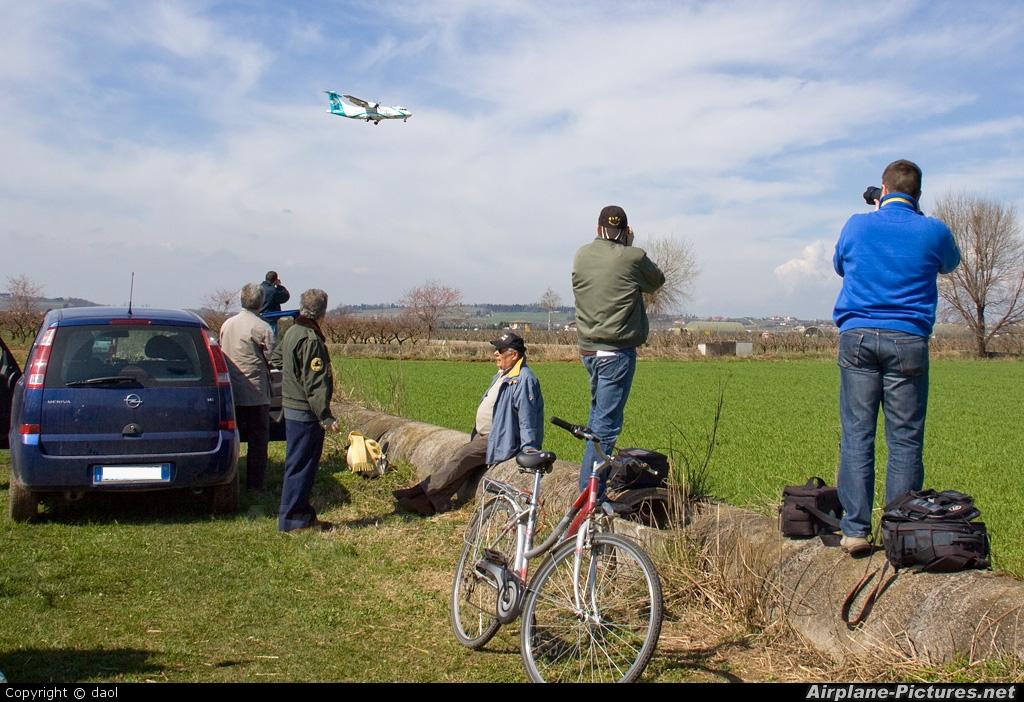 - Airport Overview - aircraft at Verona - Villafranca