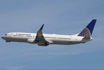 N37413 - Continental Airlines Boeing 737-900