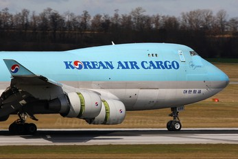 HL7499 - Korean Air Cargo Boeing 747-400F, ERF