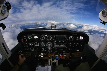 OK-DSR - DSA - Delta System Air Cessna 172 Skyhawk (all models except RG)