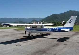 PR-OGE - Jundiaí Aero Club Cessna 152