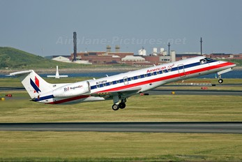 N711PH - American Eagle Embraer ERJ-135