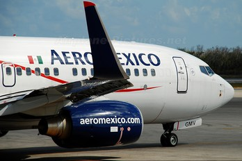 XA-GMV - Aeromexico Boeing 737-700