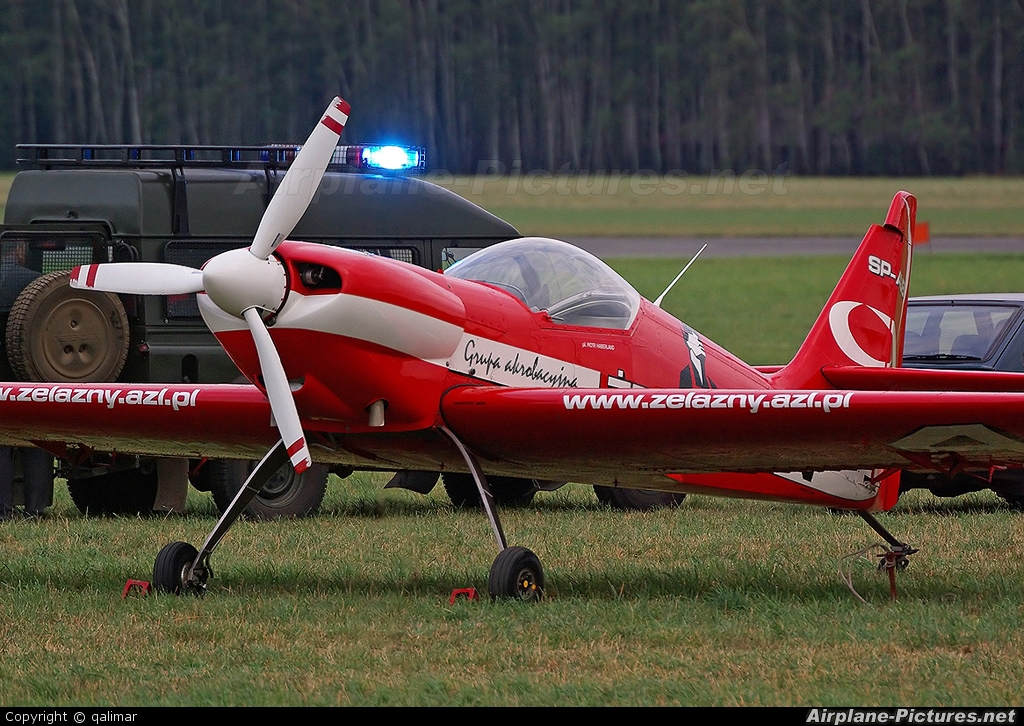 Grupa Akrobacyjna Żelazny - Acrobatic Group SP-AUB aircraft at Radom - Sadków