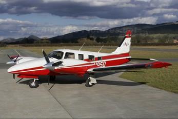 N95D - Private Piper PA-34 Seneca