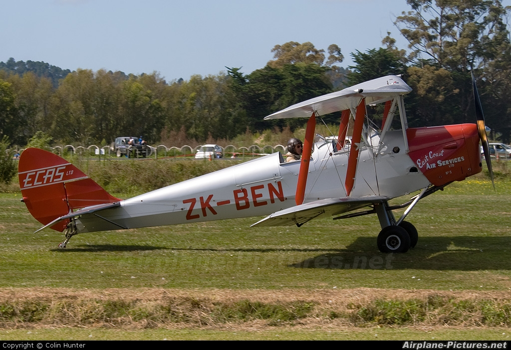 Private ZK-BEN aircraft at Whitianga