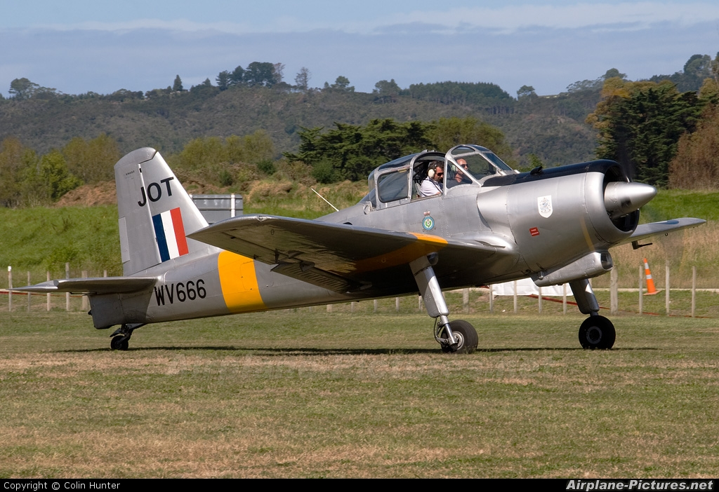 Private ZK-JOT aircraft at Whitianga