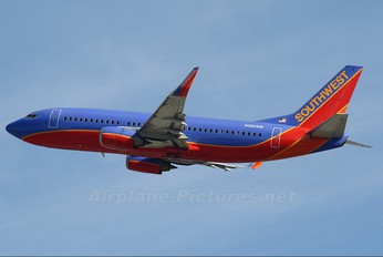 N360SW - Southwest Airlines Boeing 737-300