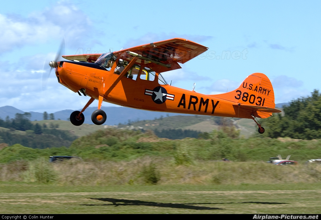 Private ZK-DOG aircraft at Whitianga