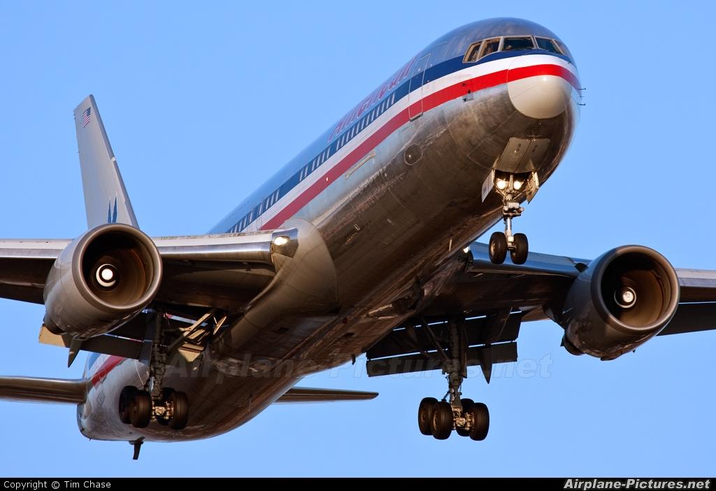 American Airlines N388AN aircraft at London - Heathrow