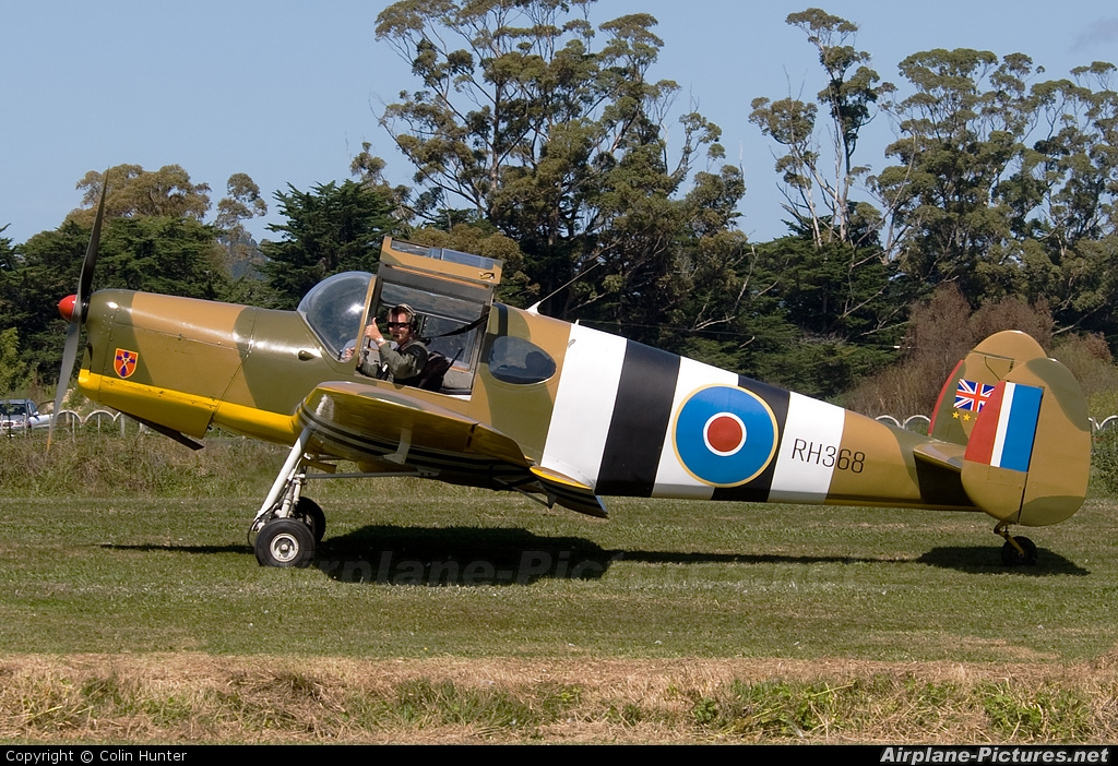 Private ZK-CMM aircraft at Whitianga