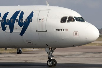 TC-KTD - Kibris Turkish Airlines - KTHY Airbus A321