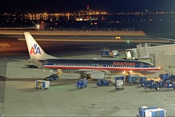 N927AN - American Airlines Boeing 737-800