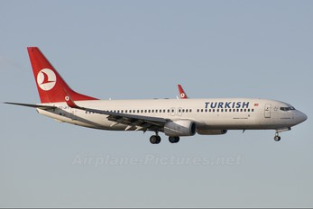 TC-JFT - Turkish Airlines Boeing 737-800
