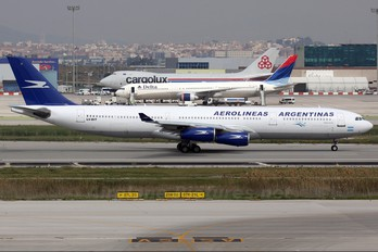 LV-BIT - Aerolineas Argentinas Airbus A340-300