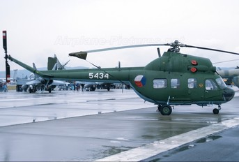 5434 - Czech - Air Force Mil Mi-2