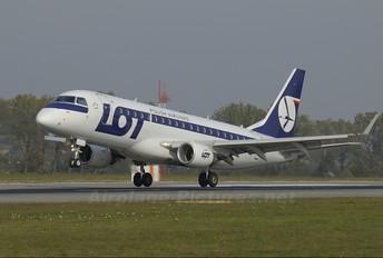- - LOT - Polish Airlines Embraer ERJ-175 (170-200)