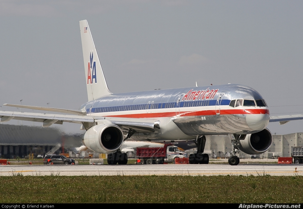 American Airlines N636AM aircraft at Miami Intl