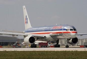 N636AM - American Airlines Boeing 757-200