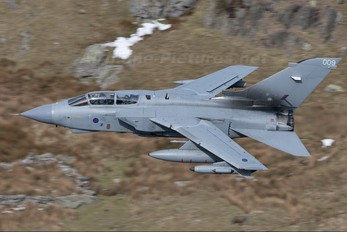 ZA395 - Royal Air Force Panavia Tornado GR.4 / 4A