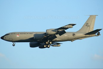 751 - Singapore - Air Force Boeing KC-135R Stratotanker