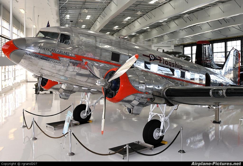 Private N16005 aircraft at John Wayne, Orange county
