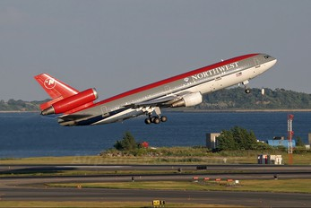 N233NW - Northwest Airlines McDonnell Douglas DC-10