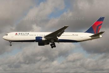 N176DN - Delta Air Lines Boeing 767-300ER