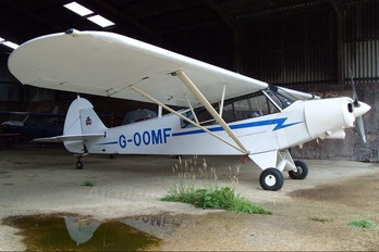 G-OOMF - Private Piper PA-18 Super Cub